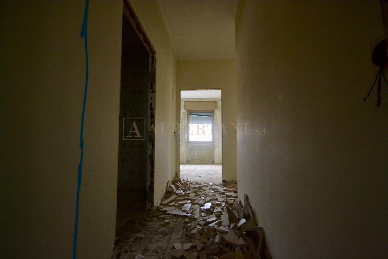Ristrutturazione appartamento a borgosesia albertani s r l - Progetti e costruzioni porte ...